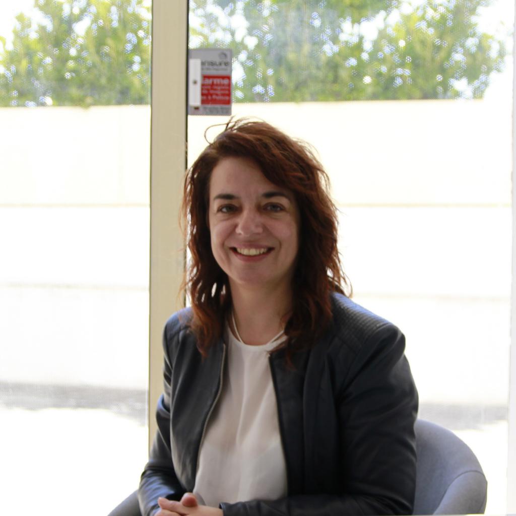 Drª. Marta Dutra é terapeuta na Ser e Crescer - Serviços Clínicos.