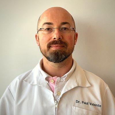 Dr. Paulo Valente da Ser e Crescer - Serviços Clínicos.