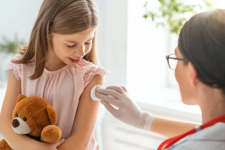 Conheça quais as vacinas para as crianças.