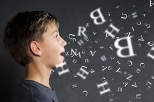 O seu filho tem problemas na fala?